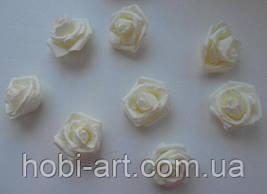 Бутони троянди 40 мм  № 03 молочні