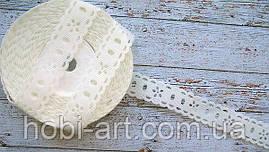 Репсова Стрічка з перфорацією 20 мм молочна (квіточка)
