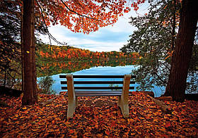 "Картина на стекле ""У озера осенью"""