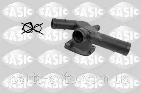 Фланец охлаждающей жидкости AUDI A3 (8L1) 1.6 SASIC 3206001