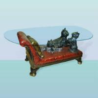 Стол стеклянный с декоративным основанием Кушетка