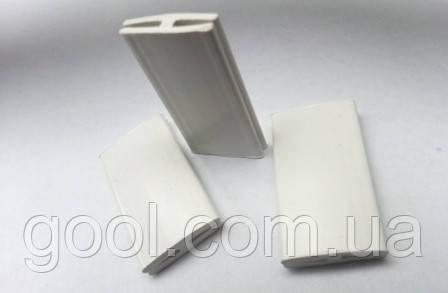 Пластиковый соединитель для цокольного стартового профиля