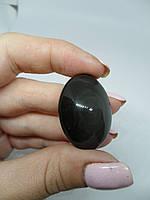 Обсидиан камень кабошон овал из натурального обсидиана на счастье 22*32*12 мм