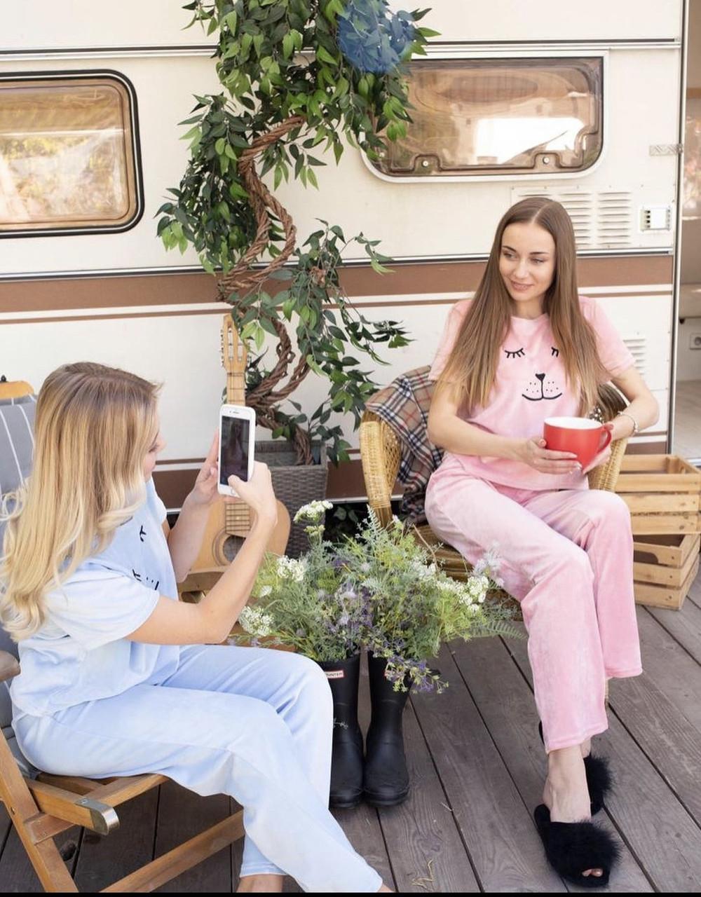 Плюшевая пижама (футболка и штаны) розовая