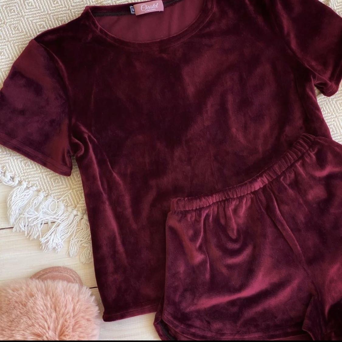 Плюшевая пижама (футболка и шорты) Бордовая