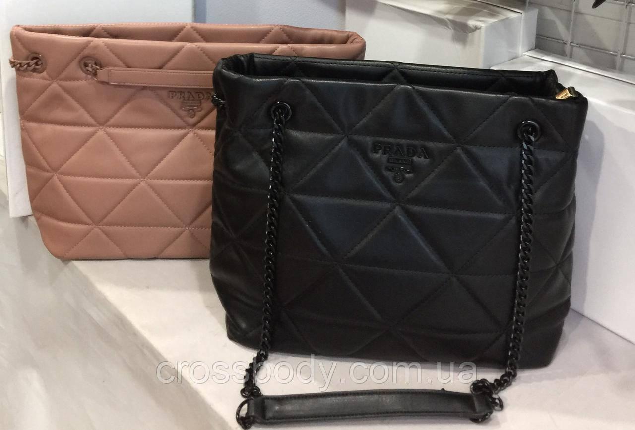 Женская сумка Prada в стиле черная пыльник