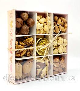 """Подарунковий набір № 7 """"Набір з горіхами і медом"""""""