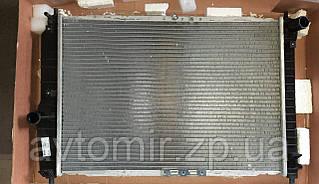 Радіатор охолодження алюминево-паяний Авео, Aveo з кондиціонером (L=600) ЛУЗАР паяний
