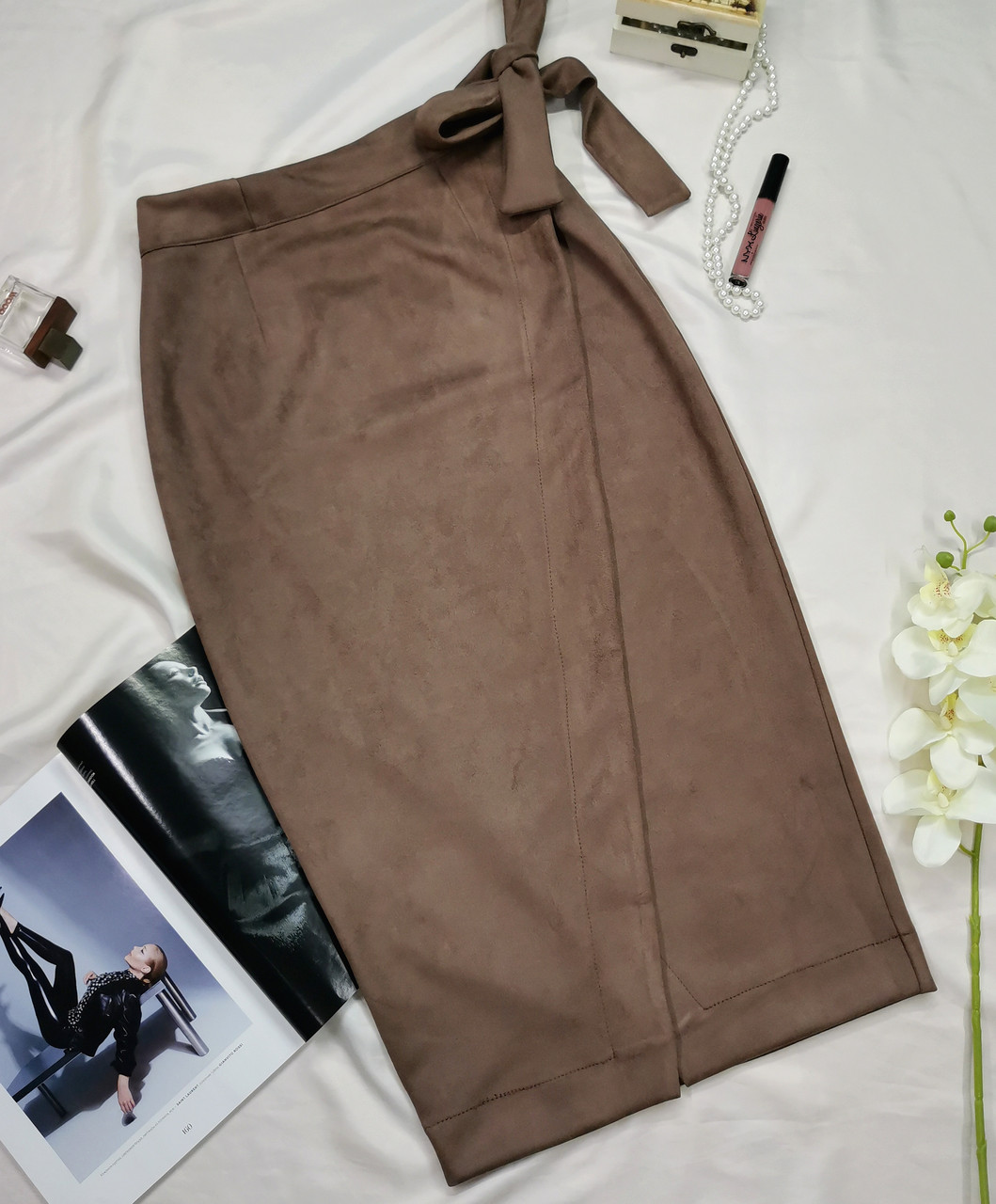 Замшевая коричневая юбка на запах