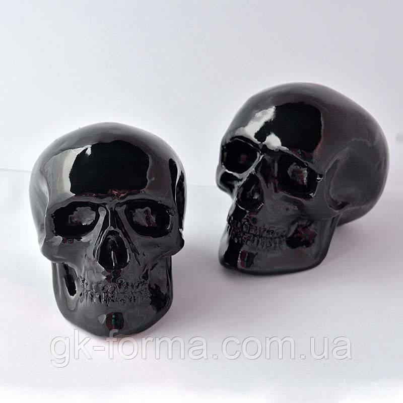 Маленький черный череп. Художественная фигурка из гипса для декора