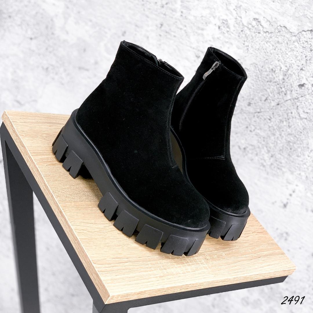 Ботинки черные замшевые внутри набивная шерсть