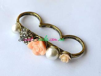 Кольцо Кастет с розами, персик