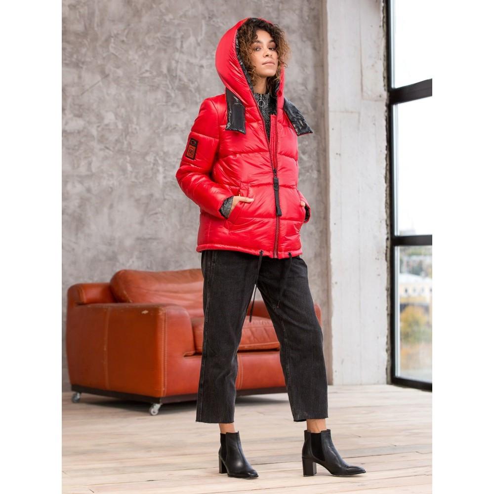 Красный женский пуховик укороченный с карманами