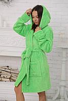 Салатовый женский халат на запах средней длины