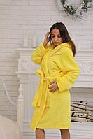 Яркий желтый женский халат на запах средней длины