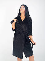 Женский халат на запах черного цвета