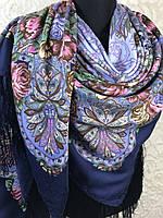Красивый Павлопосадский платок с бахромой и цветочным рисунком