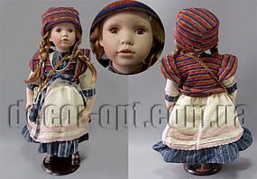 Кукла коллекционная на подставке 55см