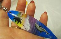 Брелок сувенир ручная работа из АВСТРАЛИИ скейт с дельфином деревянный пальма