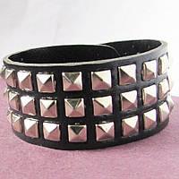 Чёрный кожаный браслет с заклёпками Драйв, фото 1