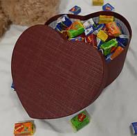 Подарочная коробочка с жвачками Love is