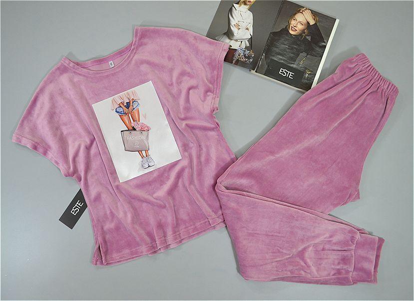 Комплект одежды для дома и сна футболка и штаны. Велюровые пижамы женские.