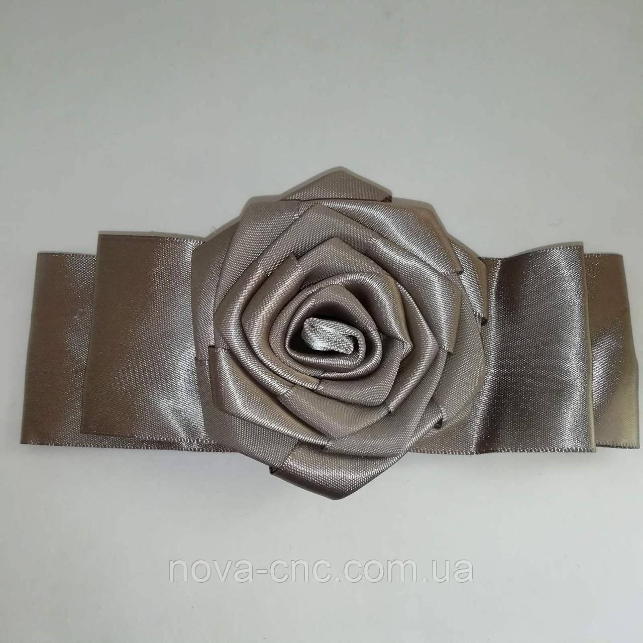 Декор троянда з стрічок Колір сірий 50 х 75 мм довжина 155 мм
