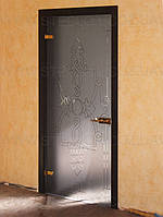 Стеклянные межкомнатные двери с рисунком в деревянной коробке