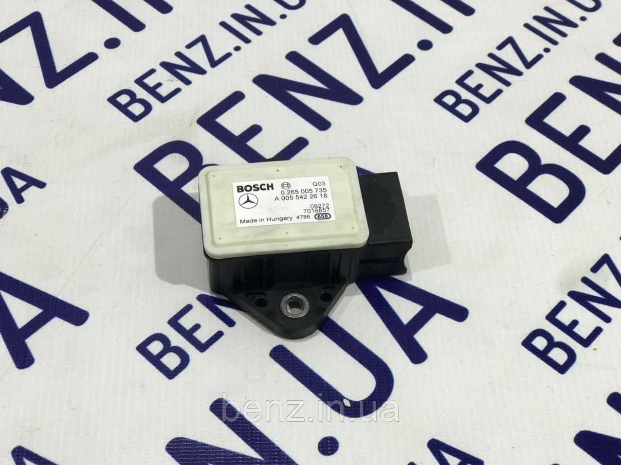 Датчик прискорення C207/W212/C218/W204 A0055422618