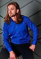 Яркая мужская рубашка цвета электрик с длинным рукавом