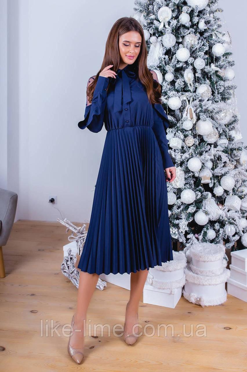 Женское красивое платье с плиссированной юбкой