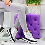 Высокие серебристые текстильные зимние женские кроссовки дутики на молнии, фото 5