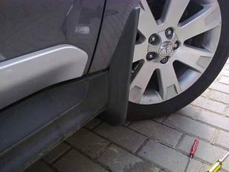 Передние брызговики Mitsubishi Outlander XL 2007-2012 под широкий порог (комплект 2 шт)