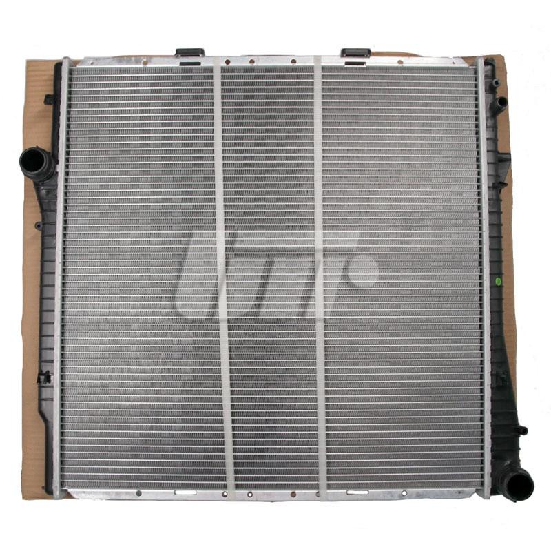 Радиатор BMW X5 E53 от 2000 г.в./ Водяной радиатор для БМВ Х5 Е53