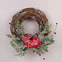 Венок из лозы новогодний с декором из веток, ягод, шишек и цветов, 32см