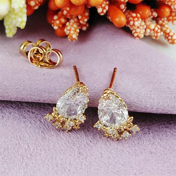 Серьги гвоздики Xuping Jewelry Капельки белые медицинское золото позолота 18К А/В 1-0287