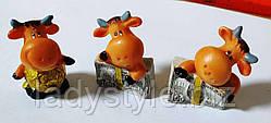 Статуэка с быком (коровой) с деньгами символ Нового года