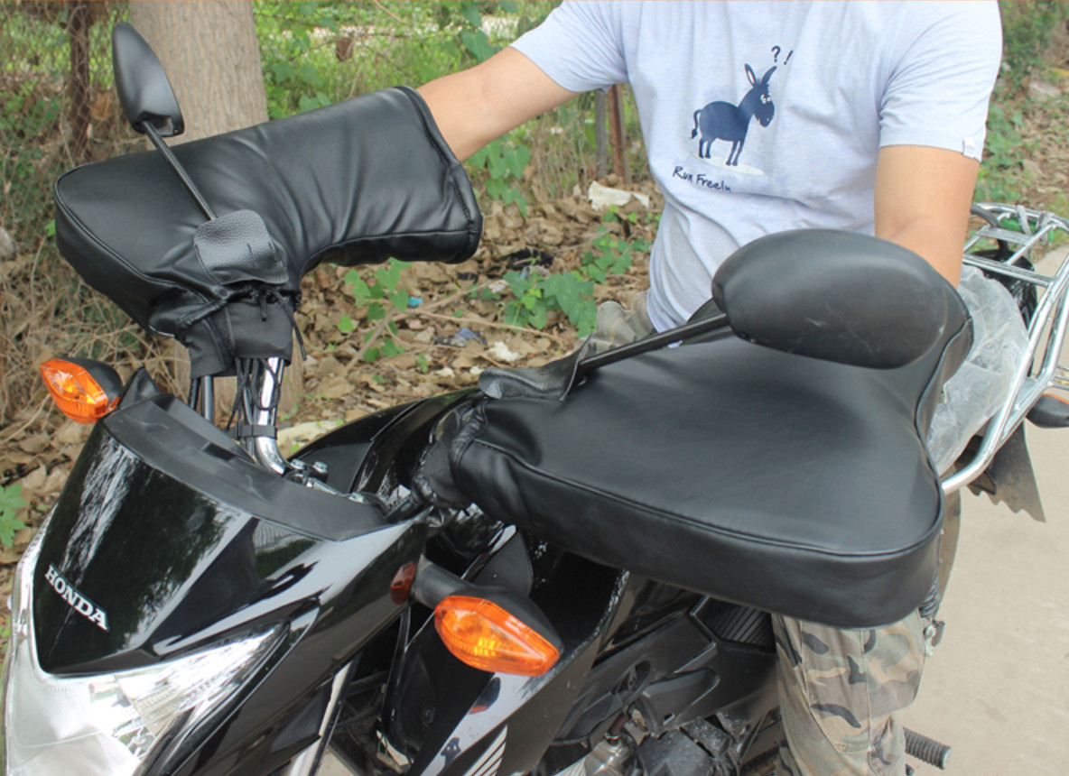Утеплённые накладки на руль  Перчатки на меху Варежки на скутер мото