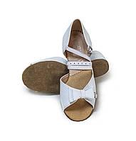 Туфли детские для бальных танцев с бантиком Levant 7000/3 белые
