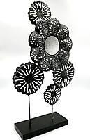 Дзеркало косметичне в декоративній рамі на ніжці чорного кольору