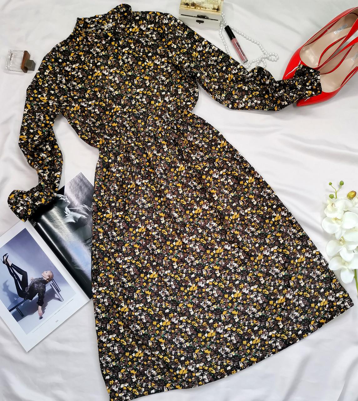 Вельветовое платье классическое коричневое с цветочным принтом