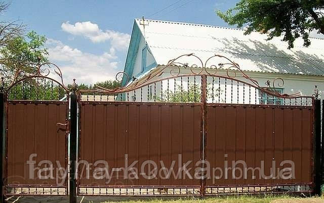Ворота ковані закриті профнастілом 6840
