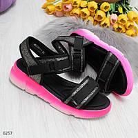 Яскраві рожеві неонові модні спортивні жіночі босоніжки 36-23,5 37-24 38-24,5 39-25 40-25,5 см