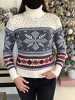 Женский свитер новогодний снежинки