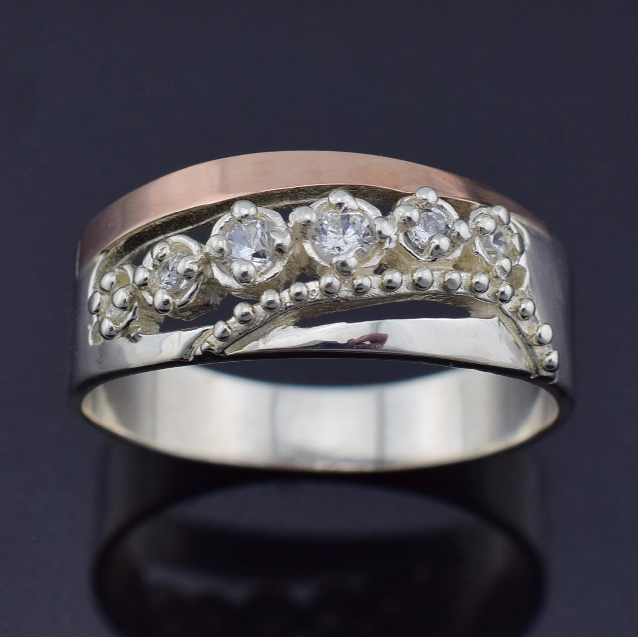 Серебряное кольцо с золотом Виола вставка белые фианиты вес 4.5 г размер 16