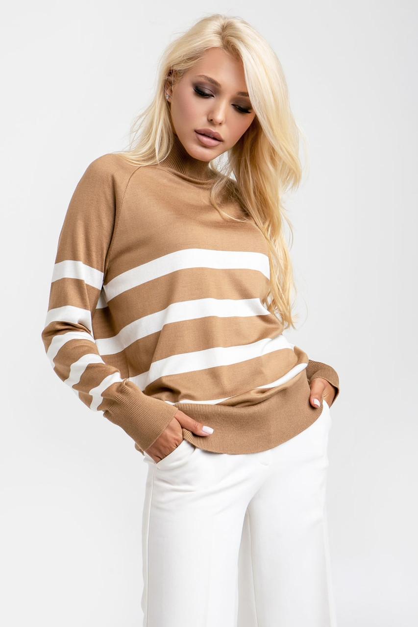 Женский свитер под горло бело-коричневого цвета р.42-46