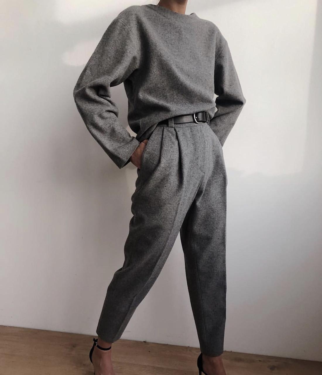 Женский  костюм. Размеры: 42-44, 44-46 Ткань: турецкая шерсть Ремень +30 грн.