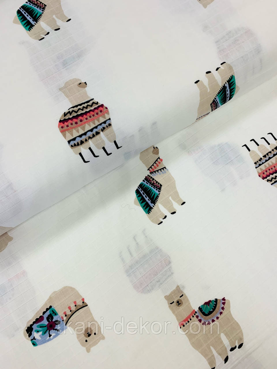 Муслин (хлопковая ткань) ламы на белом (ширина 1,55 м)