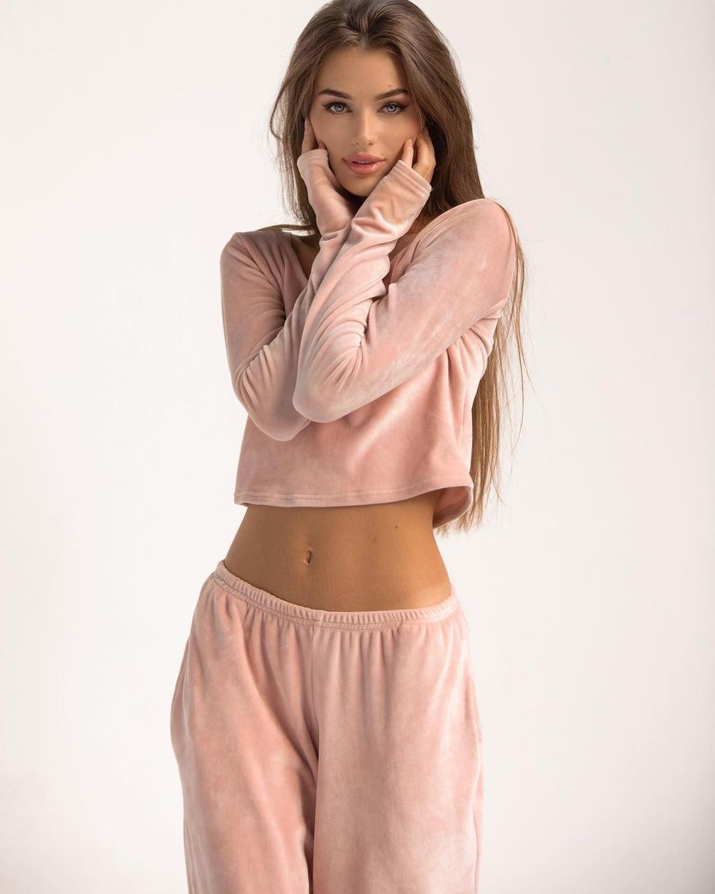 Женская теплая велюровая пижама с длинным рукавом