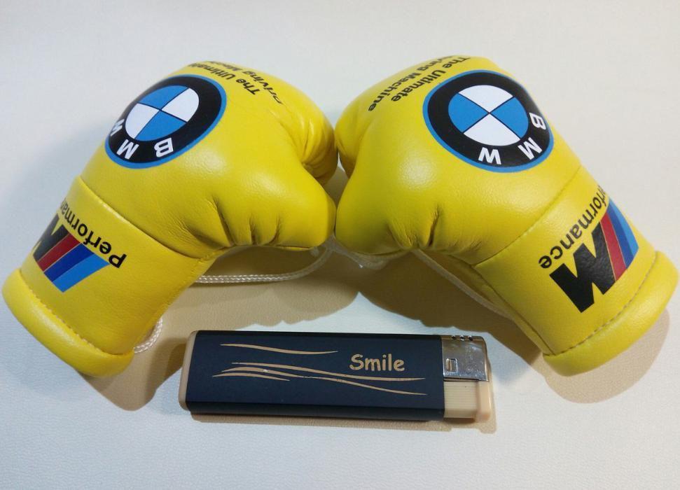 """Подвеска боксерские перчатки """"BMW"""" Сувенирный подарок мужчине автомобилисту"""